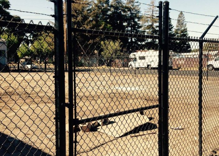 Chain link fence contractor gate installer